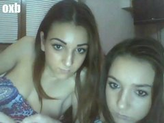 WOW twins flasing on Chatroulette