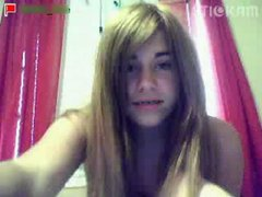 Stickam girl masturbates with hairbrush