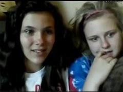 Two girls flashing pussy on Younow