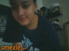 Chubby Latina girl rubbing pussy on Omegle