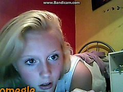 Skinny blonde with big boobs rubs on Omegle