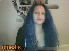 Omegle girl with blue curly hair